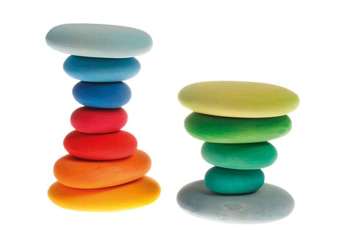 Forme in echilibru oval nuante de verde 2
