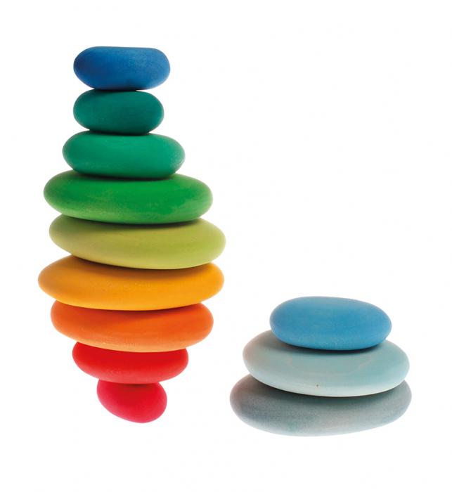 Forme in echilibru oval nuante de verde 1