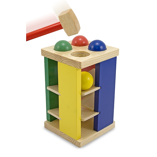 Turnul din lemn cu ciocan si bile 2