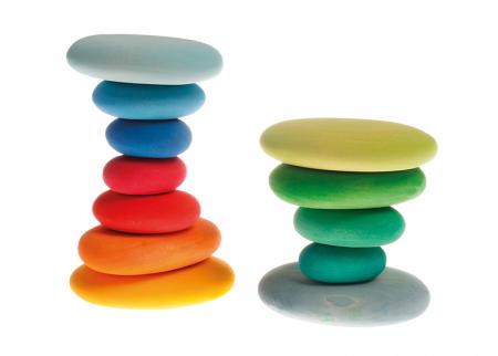 Forme in echilibru oval nuante de verde2