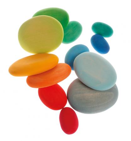 Forme in echilibru oval nuante de verde3