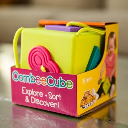 Sortator de forme pentru bebelusi OombeeCube Fat Brain Toys [3]