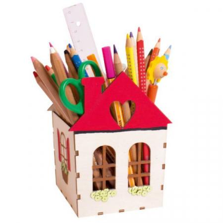 Suport de creioane Casuta2