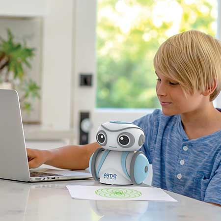 Robotelul Artie 3000 5