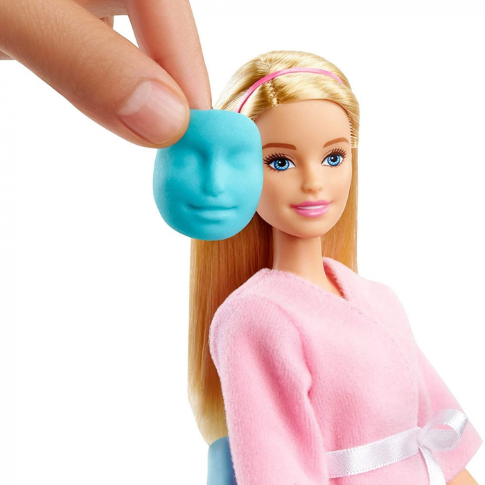 Set Barbie by Mattel Wellness and Fitness O zi la salonul Spa papusa cu figurina si accesorii [2]