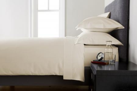 Cearceaf de pat ,Bumbac densitate 400TC - Ivory1