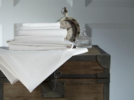 Cearceaf de pat cu elastic, 600TC -Alb1