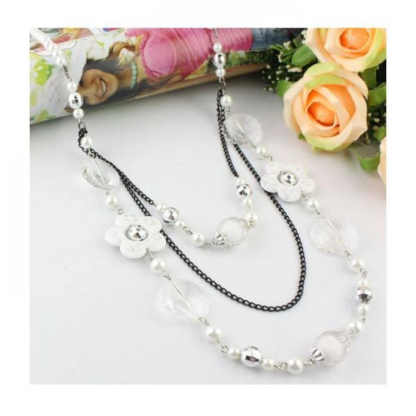 Colier fantezie alb cu floricele 0