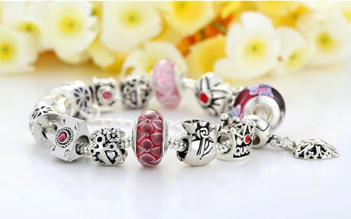 Bratara fantezie BeSpecial BSTF0005 placata cu argint, cu talismane rosii 5