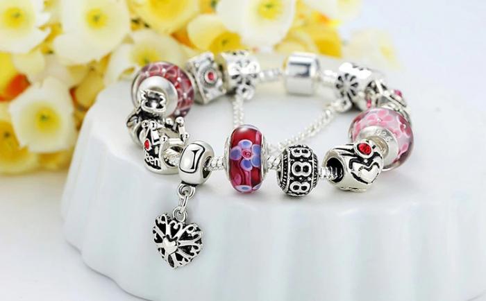 Bratara fantezie BeSpecial BSTF0005 placata cu argint, cu talismane rosii 2