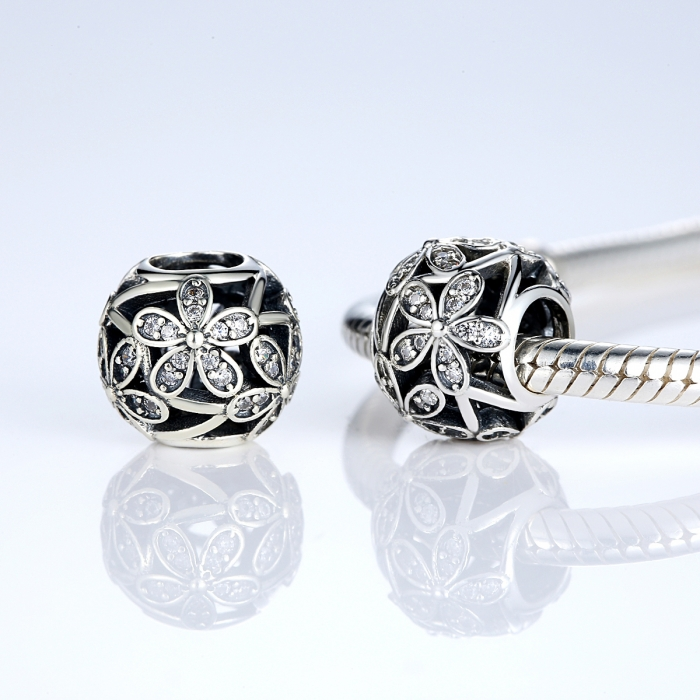 Charm argint 925 cu floricele si zirconii albe - Be Nature PST0014 2