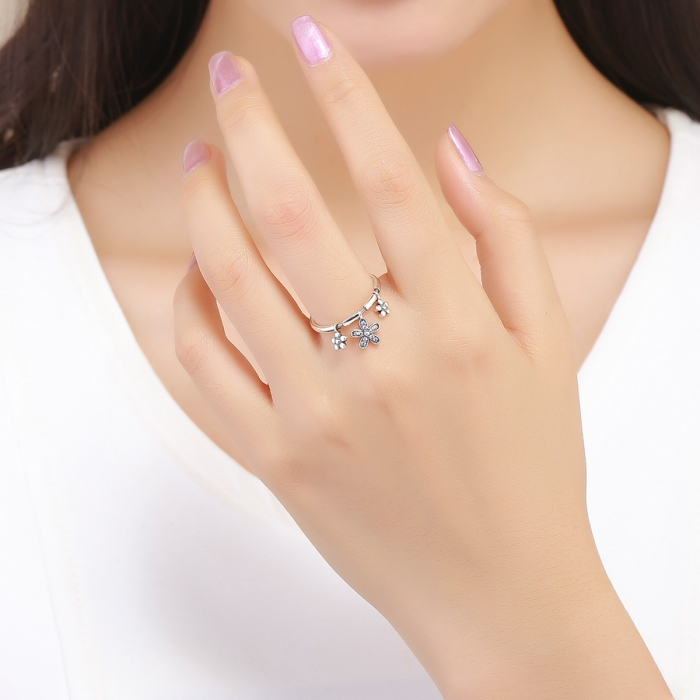 Inel argint 925 cu trei floricele si zirconii albe - Be Nature IST0053 4