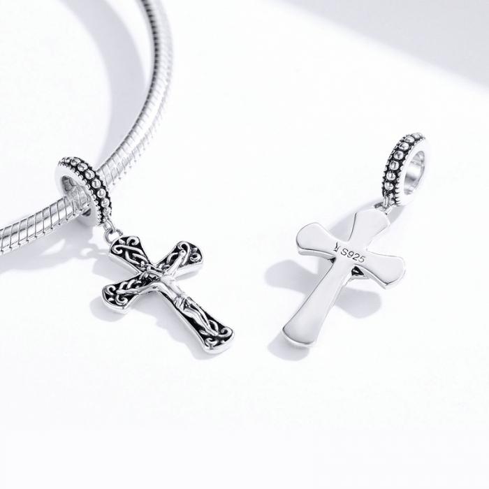 Pandantiv argint cruce cu rastignirea lui Isus  [2]