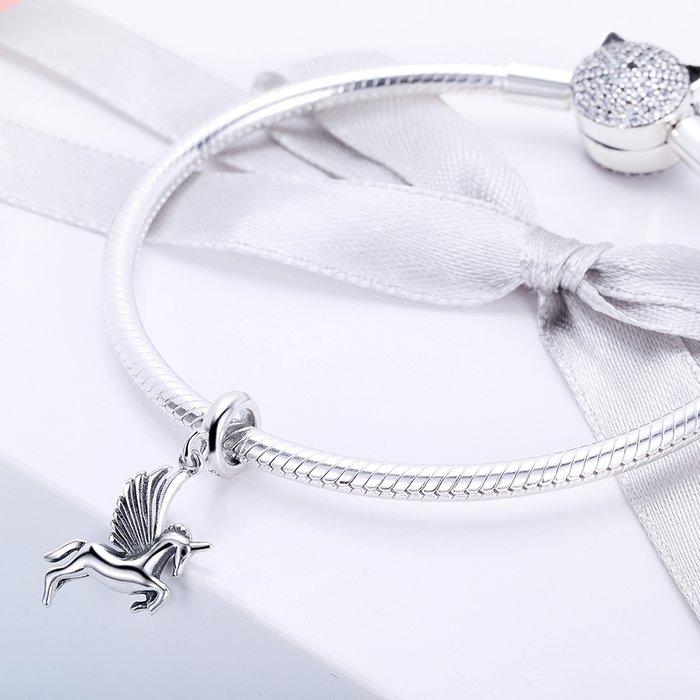Talisman din Argint Unicorn Inaripat 2
