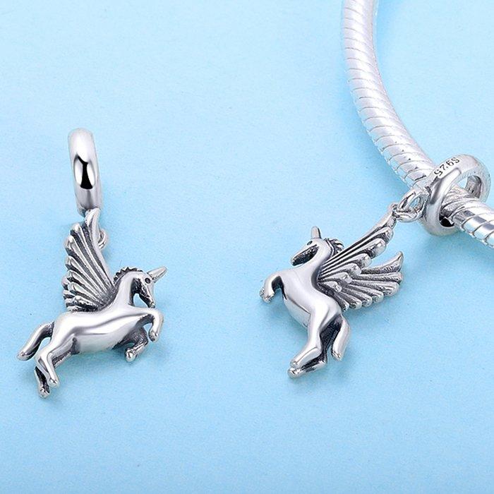Talisman din Argint Unicorn Inaripat 1