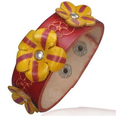 Bratara din piele cu floricele 3D