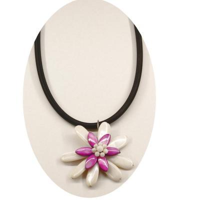 Colier elegant cu floricica nuante alb si mov1