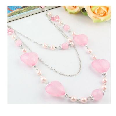 Colier lung cu margele si inimioare roz [1]