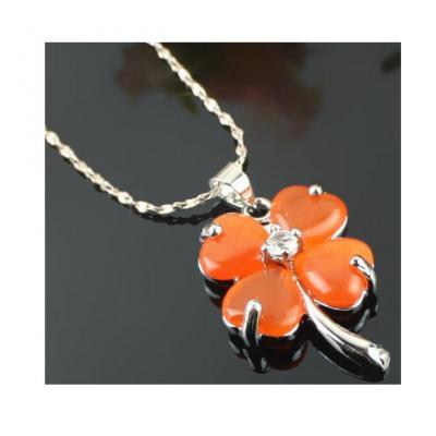 Colier portocaliu floare sau frunza de trifoi0