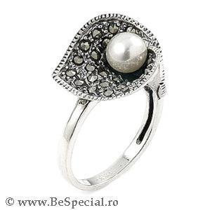 Inel argint 925 elegant in forma de floare cu perla