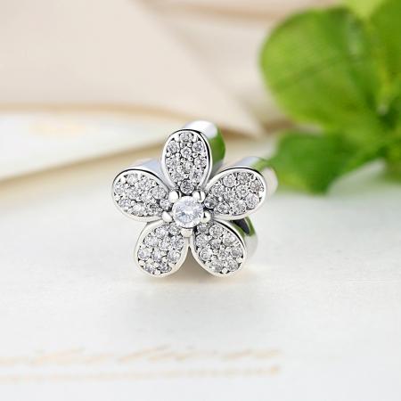 Charm argint 925 cu floricele si zirconii albe - Be Nature PST00212