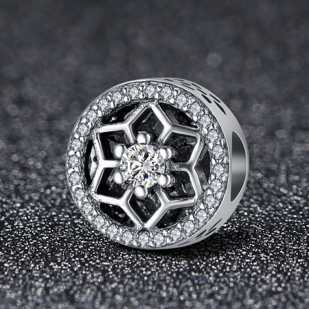 Charm argint 925 cu floricele si zirconii albe - Be Nature PST01031