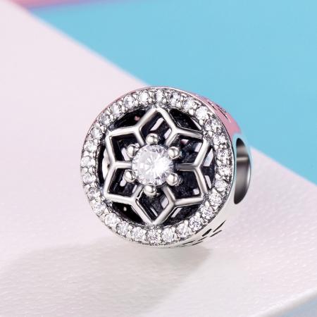 Charm argint 925 cu floricele si zirconii albe - Be Nature PST01033