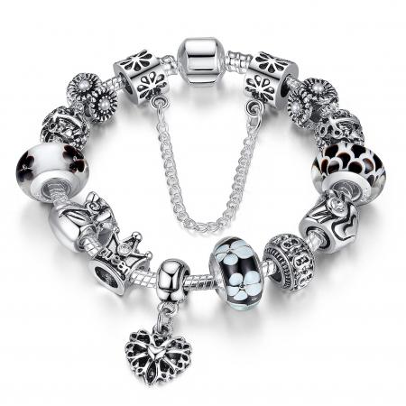 Bratara fantezie BeSpecial BSTF0003 placata cu argint, cu talismane cu motive regale si florale