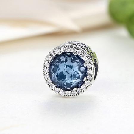 Charm argint 925 cu cristal albastru cu inimioare si zirconii albe - Be in Love PST00472