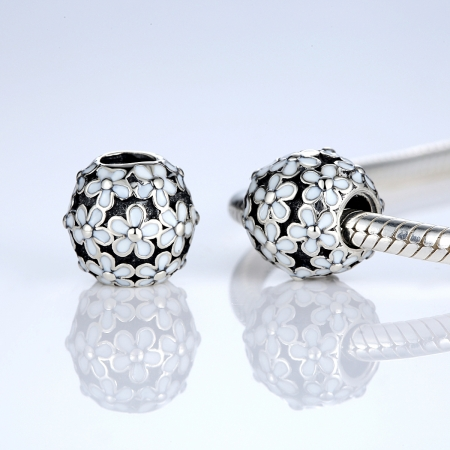 Charm argint 925 cu floricele albe - Be Nature PST00311
