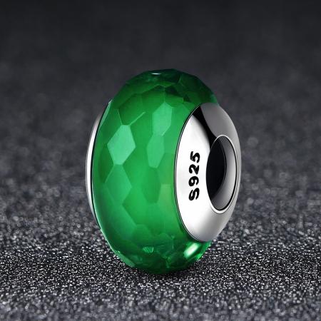 Charm argint 925 cu sticla verde multifatetata - Be Elegant PST00982