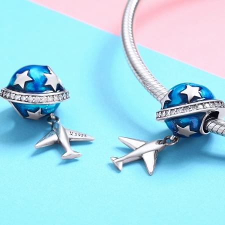 Charm argint 925 planeta albastra cu avion, stelute si zirconii albe PST01491