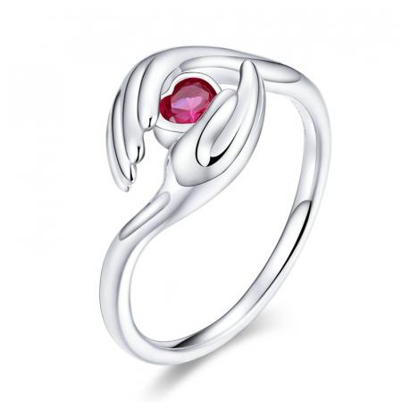 Inel argint cu maini protectoare si zirconiu