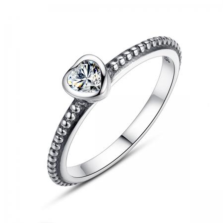 Inel placat cu argint cu inimioara alba IST0002