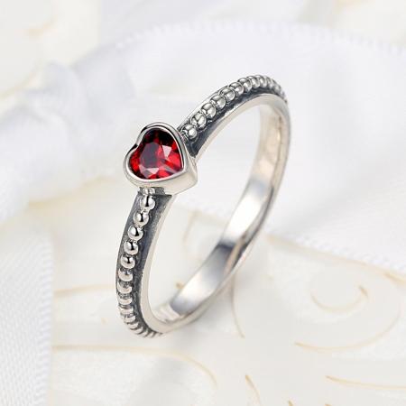 Inel placat cu argint cu inimioara rosie IST00033