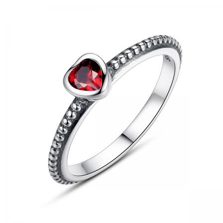 Inel placat cu argint cu inimioara rosie IST0003