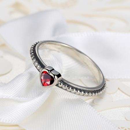 Inel placat cu argint cu inimioara rosie IST00032