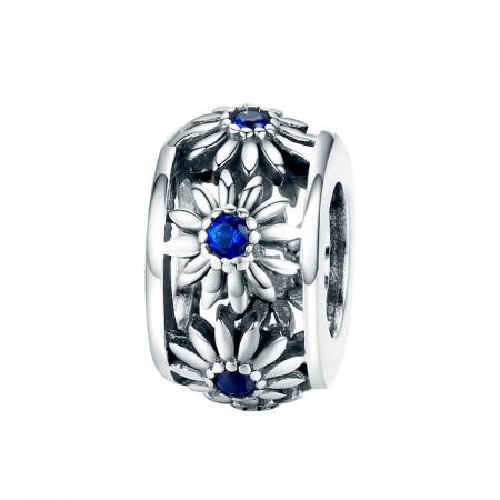 Talisman argint cu flori si cristale albastre