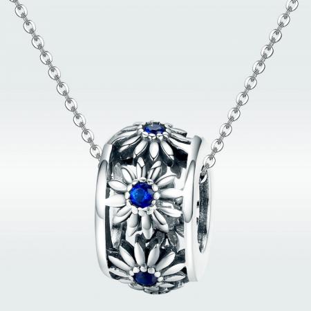 Talisman argint cu flori si cristale albastre [2]