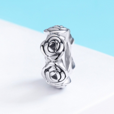 Talisman argint cu trandafiri2