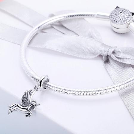 Talisman din Argint Unicorn Inaripat2