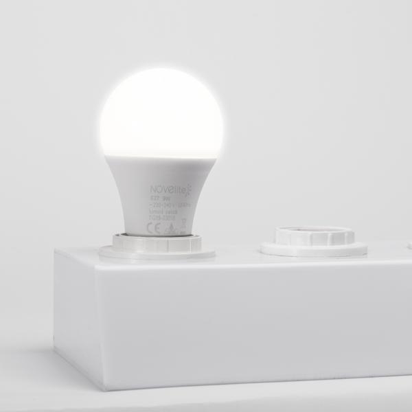 Bec LED A60 9W E27 3000K [0]