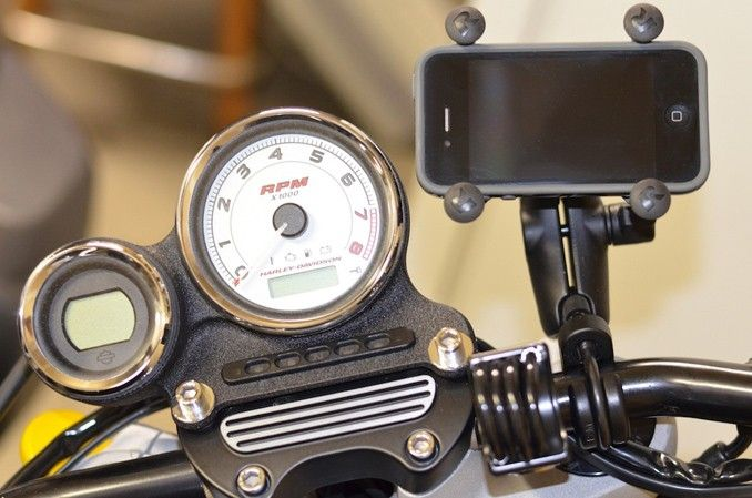 Suport telefon cu prindere rezervor frana si ambreiaj RAM Mount X-GRIP