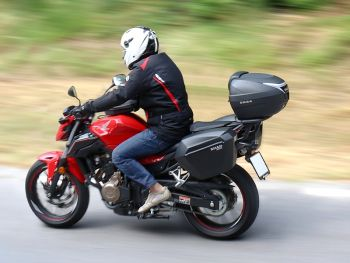 Sidecase moto 23 Litri SHAD SH23 Negru5