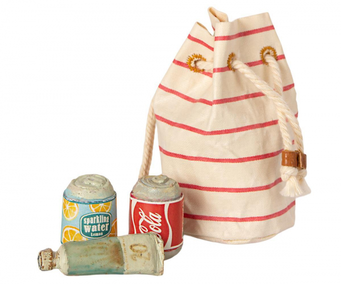 Bag w beach essentials [0]