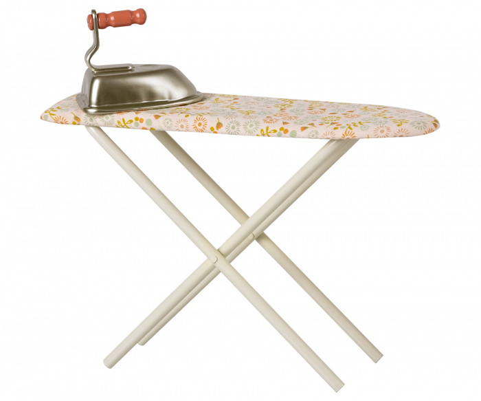 Iron & ironing board 0