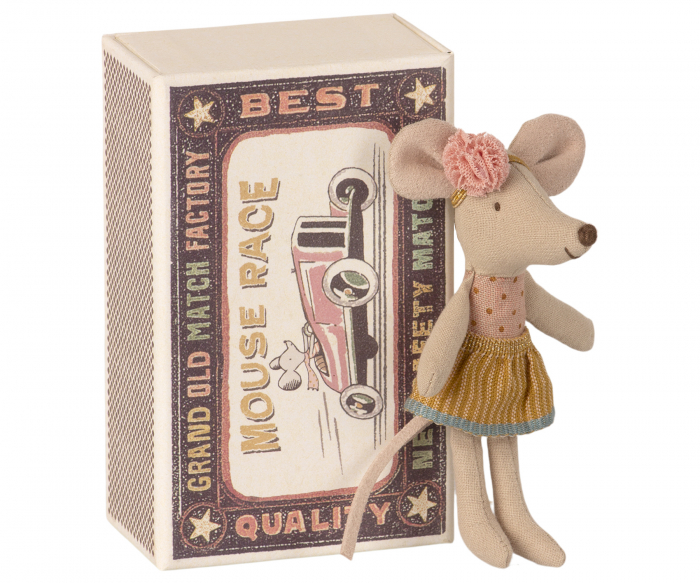 Little sister mouse in matchbox [0]