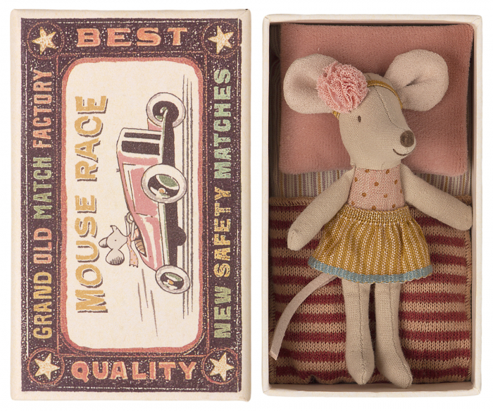 Little sister mouse in matchbox [1]