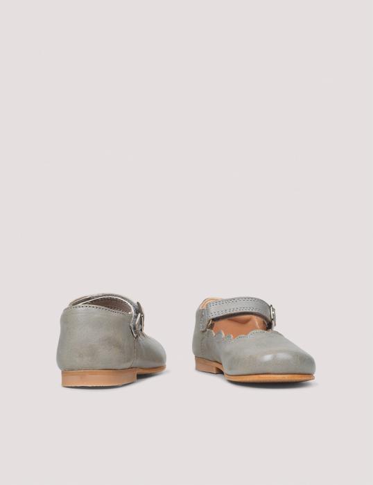 Mary Jane Scallop Concrete [0]