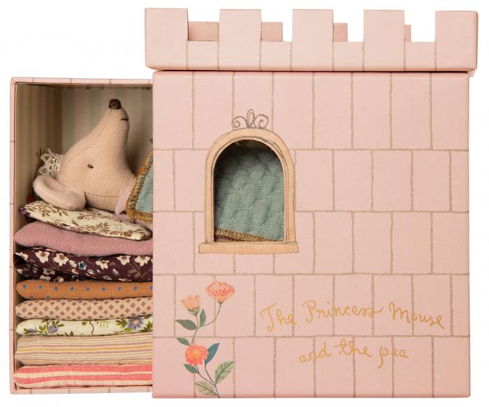 Princess and the Pea, Big sister mouse 0